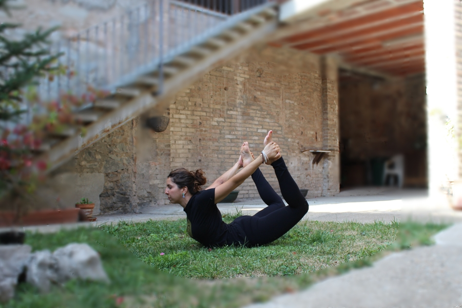 dhanurasana elga el teu centre ioga vic