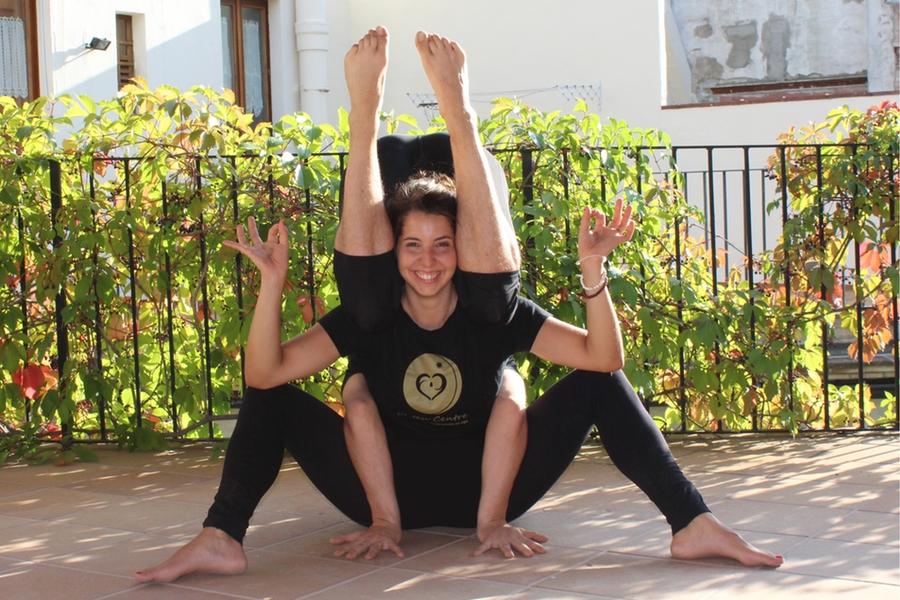 ioga yoga el teu centre vic osona Elga Aguilar i Nahuel Colet